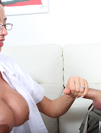 Sexy Dr Ferrera gave a handjob for treatment